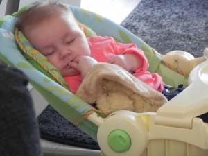 Heerlijk in slaap gewiegd worden in de schommelstoel.